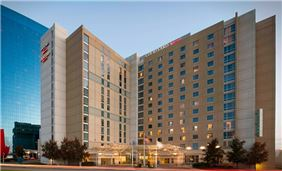 Marriott Indy Place Courtyard Exterior