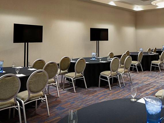 Medium Meeting Rooms